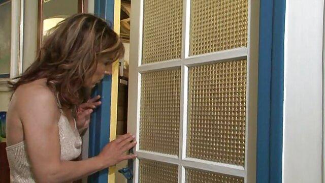 مادر بیدمشک Zoe Holloway در دانلود کلیپ سوپر عمل