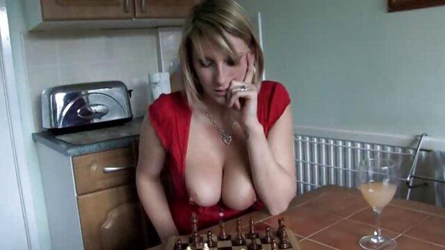 خواهر 18 ساله آمریکایی در وب سایت خود برادر بزرگ را لعنتی می دانلود کلیپ سکسی و سوپر کند!